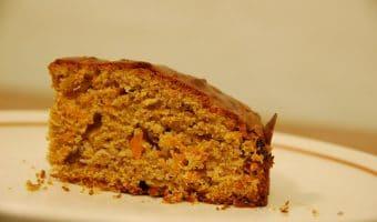 slice-carrot-cake-on-plate