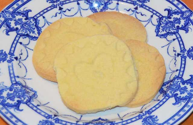 shortbread biscuits on blue patterned plate