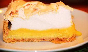 slice-lemon-meringue-pie