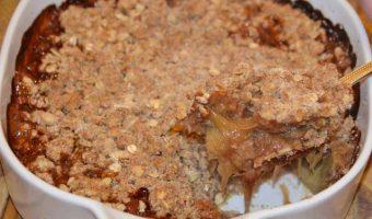 rhubarb-crumble-serving-dish
