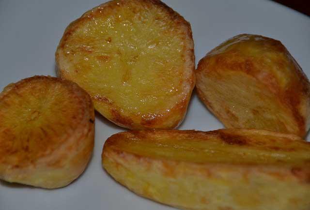 Crispy outside, fluffy inside - great Roast Potatoes