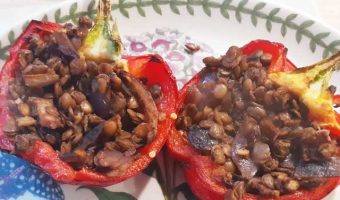 peppers-stuffed-with-green-lentils