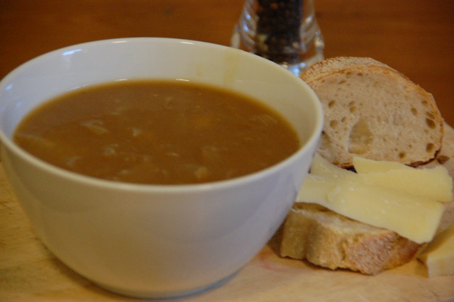 french onion soup with bread