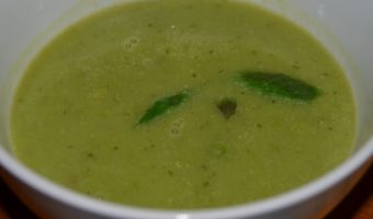 green-soup-with-mints-leaves-on-top